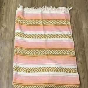 Oversized yoga blanket